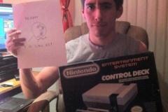 ばあちゃんからのクリスマスプレゼントに「Wii」を頼んだら、新品の「ファミコン」を買ってきた・・・
