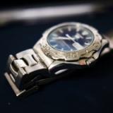 上司「腕時計付けろよ」俺「アレルギーなんで」上司「付けろ」 俺「はい…」→結果wwwww