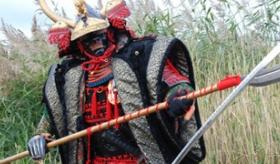 【創作】   日本が好きな ベルギー人が作った 戦国武将の鎧が 本格的過ぎてヤバイ。   海外の反応