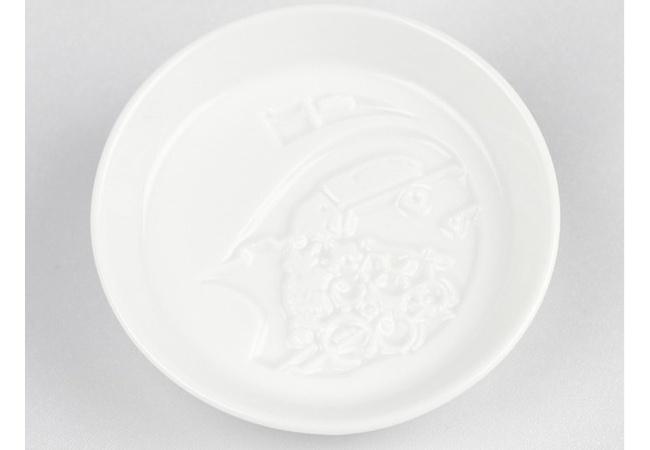 【朗報】小島監督、今度は超カッコいい醤油皿を作ってしまう
