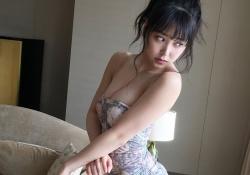 NMB48白間美瑠ちゃんが濃厚なセックスしてそうなエッチな水着姿を披露