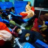『バガンからヤンゴンの列車で異様な光景。子どもにお菓子を投げる?そしてじゅん、床で寝る』の画像