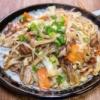ほんのりトロミが美味しい「半固麺の中華風焼きそば」&「なんか懐かしい九州とんこつ味焼豚ラーメン」