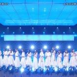 『【乃木坂46】梅澤美波、デカすぎて『きっかけ』横並びでとてつもなく目立ってしまうwwwwww【バズリスム02】』の画像