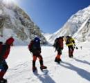 【大惨事】 ヒマラヤ豪雪で雪崩 トレッキング客ら24人死亡、外国人旅行者100人以上と連絡取れず