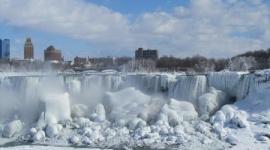 ナイアガラの滝が凍っている衝撃写真…アメリカ大寒波が凄いことに
