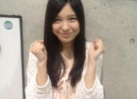 【AKB48】腰が痛くても握手会を頑張る小嶋菜月ちゃんがかわいい