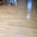 『《床のベタつきを解消したい!掃除法を徹底検証、よかった洗剤と道具は?》』の画像