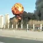 【動画】中国、今度は化学薬品輸送車が横転し爆発!上空にキノコ雲が立ち上る [海外]