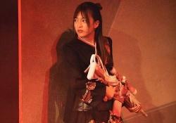 【衝撃】吉田綾乃クリスティー、太ももが露わに・・・!