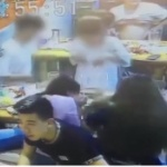 【動画】中国、またレストランで「火鍋」が爆発!その瞬間、監視カメラ映像 [海外]