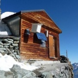 【画像】くっそヤバい山小屋、発見される・・・
