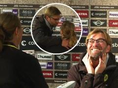 試合後の記者会見で突如現れたファンが愛の告白!?その時クロップは・・・