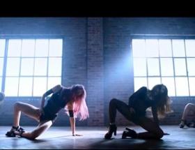 K-POPアイドルグループ「4L」の「股間擦り」ダンスが話題に!