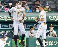 阪神・佐藤輝プロ初欠場 矢野監督「毎日、考えているけど。奪い取ればいい」