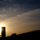 『5/14の夕焼けと飛行機雲 2020/05/15』の画像