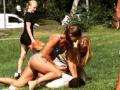 【画像】スウェーデンでビキニポリスが登場、ビキニ姿で見事に泥棒を逮捕