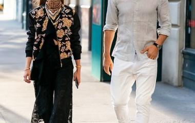 『【イケメン夫と一緒に…!?】オリビア・パレルモが夫ヨハネス・ヒューブルとブルックリンでお出かけ!Olivia Palermo takes a stroll with Johannes Huebl』の画像