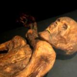 2000年前の遺体がこちら。