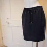 『Sinequanone(シネカノン)スポーティタイトスカート』の画像