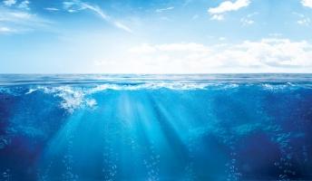 地球では1秒間に73トンの海水が消滅しています