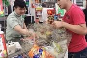 タイで買い物ビニール袋が全面禁止に タイ人が面白がって色んな物で買い物に行きSNS映え
