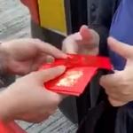 【香港】区議会選挙、親中派の選挙違反がひどい!福袋・お年玉配布などやりたい放題 [海外]