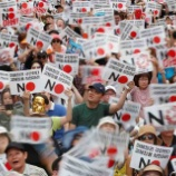 『文在寅の主張する通り韓国は日本の国防の防波堤、応援したいけど、余りにも政治が不安定、もう軍事政権に戻った方が安定するんじゃない?』の画像