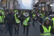 【フランス】ガソリン高騰で24万人以上の大規模デモ  1人死亡、100人以上ケガ