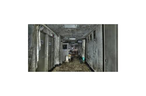 「お化けなんていねーよw」 ← なら廃病院に一人きりで泊まれるの?のサムネイル画像