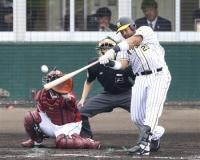 阪神・ロサリオ、右中間へ逆転2ラン!これで実戦3試合連発!