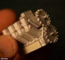 【画像】折紙で作った世界最小のV8エンジンがネットで話題に