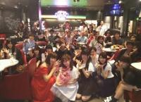 AKBカフェにサプライズでメンバーがキタ━━━━(゚∀゚)━━━━!!