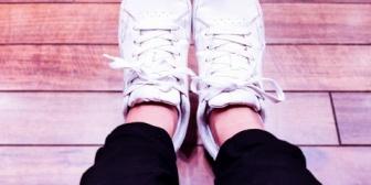 A男「俺と会うのにスニーカーは手抜き」私(は?)→しまむらで激安のミュール(5㎝くらいのヒール)買って履かせて歩かせた結果…