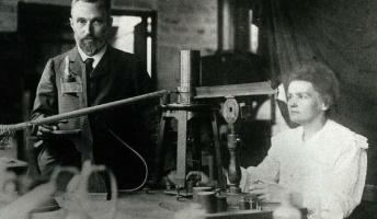 狂気の研究者たち…医療の発展のため自分を実験台にした20人のエピソード