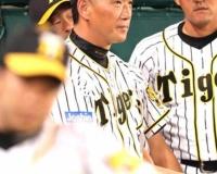阪神・俊介「ハァハァ…やっと活躍できた。今日こそ監督に褒めてもらえるぞ…!」