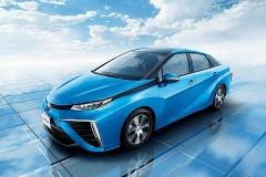 トヨタ、量産型FCVを販売へ ミライより100万円以上安く