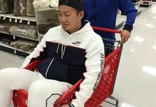 【悲報】中田翔さん、スーパーでオラついて炎上