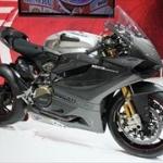 1000cc以上のバイクに乗ってるヤツwwww