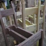 『椅子つくり・百合の成長』の画像