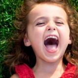 『4歳娘「おおぃ…おまえ起きろよ!」オラァ「あ…はいすいません」』の画像