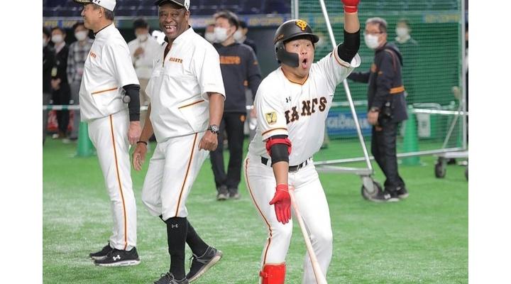【悲報】巨人・田口のサメダンス!