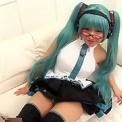巨乳美少女アニコス美人「桐谷ユリア」美脚パンチラしながらキレイな脚で脚コキ!かわいいコスプレに大興奮してします
