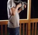 14歳の少年、父親を殺した後小学校で銃を乱射 アメリカ