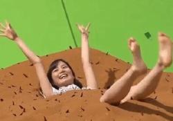これは・・・w 生田絵梨花ちゃんが両手足バタバタさせてる可愛い動画がコレwwwww