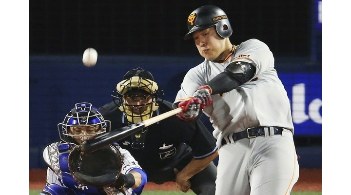 巨人・岡本和真(24)  2年連続30本塁打、巨人生え抜き、三塁手←こいつが評価されない理由ってなんや?