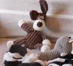 【インテリア】小さな子供がいる部屋みたい!オシャレで安全なワンコのおもちゃ!
