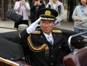 柳葉敏郎が東京湾岸警察署の一日警察署長に就任!「室井さん」の制服姿にファン熱狂