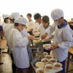 福島の野菜は食べれません → 福島「風評被害だ!食べて応援しろ!」  福島市「学校給食に福島産米を使います」→ 保護者らが激怒「ふざけんな!食べれるか!」