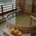 韓国と日本のお風呂文化の違いに驚き!日本の一般的な家庭のお風呂公開!「うわぁ韓国と全然違う!」「追い炊き機能欲しいなぁ...」海外の反応